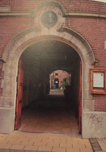 ingang remonstrantse kerk Delft